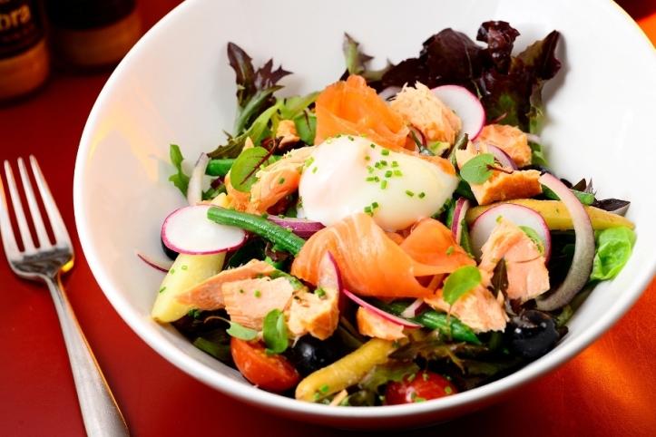 Duo-of-Smoked-Salmon-Niçoise-Salad-jpg-3